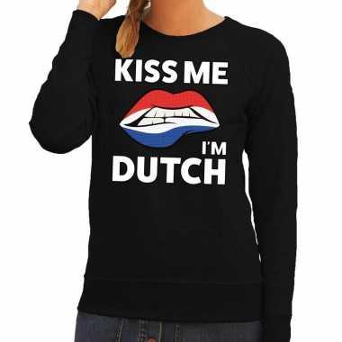 Kiss me i am dutch trui zwart dames