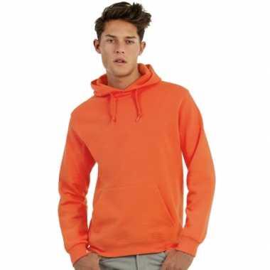Oranje capuchon trui