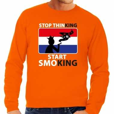 Oranje stop thinking start smoking trui heren