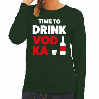 Time to drink vodka tekst trui groen dames