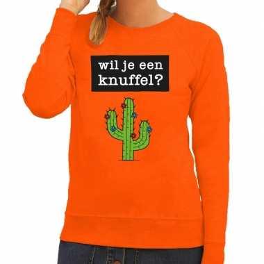 Wil je een knuffel tekst trui oranje dames